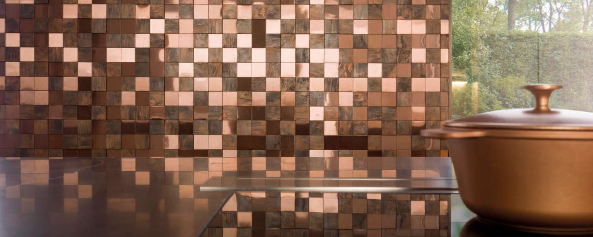 antic-colonial-porcelanosa-revestimiento-mosaico-efecto-metal-bronze-3d-cubes